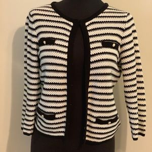Cute crop jacket great for office